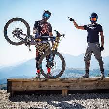 amazon black friday mountain bike deals best 25 mtb downhill ideas on pinterest mtb mountain bike