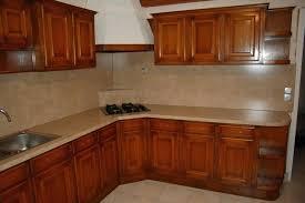 relooker sa cuisine en chene massif repeindre un meuble en chene massif optez pour un bar en bois