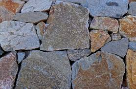 alt build blog tips on building a dry stack stone wall 3