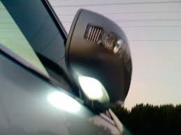lexus gx470 driver side mirror does anyone know how to change side mirror lights clublexus