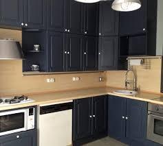comment repeindre sa cuisine en bois comment moderniser une cuisine rustique eleonore déco housing
