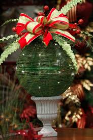cool this yule what u0027s new in holiday decorating how tos to use