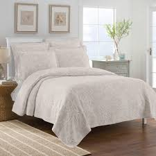 bedspreads and coverlets