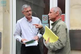 le bureau le mans le mans fermeture de la poste avenue bollée la pétition remise à