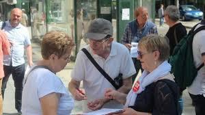 bureau de poste dunkerque reportage ensemble ils défendent les bureaux de poste de laval