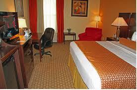 hotels near halloween horror nights in orlando best western plus universal inn orlando florida