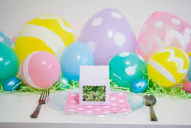 these diy easter egg balloons will delight your little bunnies