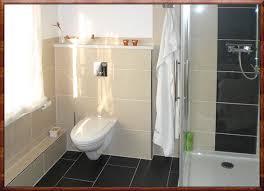 badfliesen gestaltung gebäude on badezimmer designs mit fliesen im - Badfliesen Gestaltung