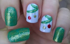 life world women christmas tree nail art in gold u0026 green