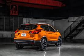 nissan rogue sport review nissan rogue sport gets worse fuel economy than larger rogue sibling