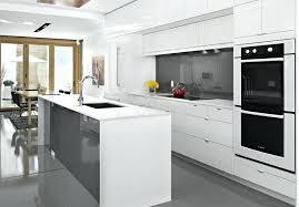 cuisine en naturelle plan travail blanc laqu cuisine naturelle de laque newsindo co