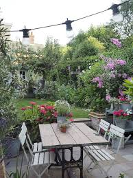 Small Backyard Flower Garden Ideas 25 Beautiful Small Backyard Gardens Ideas On Pinterest Small