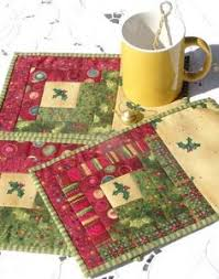 Mug Rug Designs Christmas Quiltettes Via Craftsy Quilting Pinterest