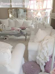 Shabby Chic Chaise Lounge by Best 20 Shabby Chic Sofa Ideas On Pinterest Shabby Chic Couch