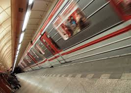 subway train coming into the station free stock images by libreshot