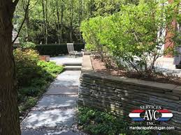 troy michigan the benefits of natural stone for retaining walls