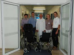 Caritas Krankenhaus Bad Mergentheim Sanitätshaus Seitz Spendet Zwei Rollstühle Krankenhaus