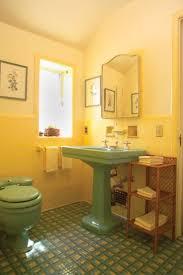 Old House Bathroom Ideas Colors 15 Best Bathroom Images On Pinterest Bathroom Ideas Retro