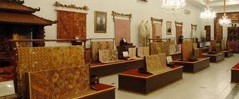 Toko Batik Danar Hadi batik museum of danar hadi city travel