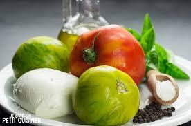 comment cuisiner du coeur de boeuf recette de salade caprese aux tomates cœur de bœuf et green zebra