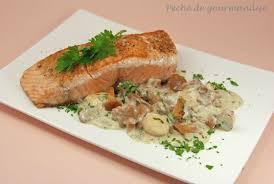 cuisiner pav de saumon poele pavés de saumon aux jacques et girolles péché de gourmandise