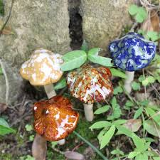 Ceramic Garden Decor 4 Pcs Cute Ceramic Pottery Mushroom Model Statues Ornament Yard