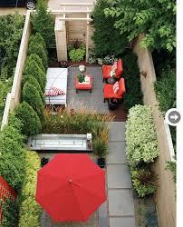 Backyard Oasis Ideas by Best 25 Narrow Backyard Ideas Ideas On Pinterest Small Yards