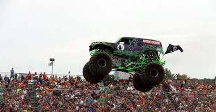 grave digger monster truck schedule grave digger driver hurt in crash at monster truck rally wbns