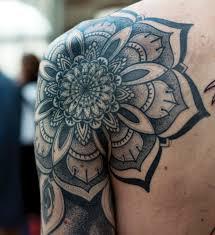 shoulder tattooo 55 awesome shoulder tattoos tattoo geometric tattoos and tatting