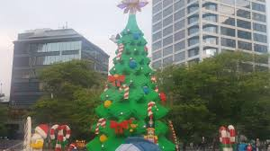 lego christmas tree lights up at aotea square auckland nz youtube
