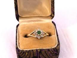 size 6 engagement ring vintage18ct gold emerald cluster ring emerald