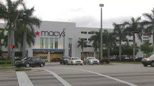 seek who used pepper spray in macy s at dadeland