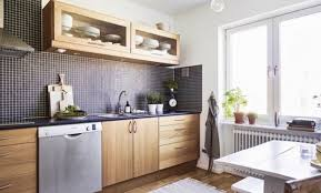 faience cuisine beige metro cuisine affordable dco carrelage salle de bain blanc gris