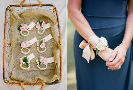 wedding corsages all you need to about boutonnieres and corsages bridestory