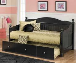bedroom appealing day bed with trundle endearing daybed full