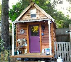 how to build a little house