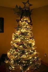 Ribbon Decoration Pinterest Best 25 Christmas Tree Ribbon Ideas On Pinterest Christmas Tree