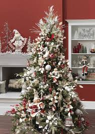 prettiest tree decoration balanced silver and