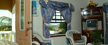 Lucia Valance Tropical Breeze Guest House Furnished Appartment Cap Estate