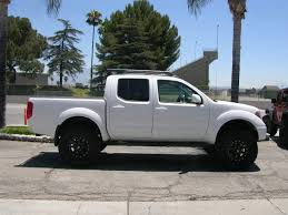 nissan frontier body lift nissan frontier with fabtech 6 u2033 icon vehicle dynamics u2013