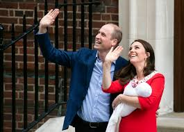 william and kate prince william and kate show off newborn son sbs news