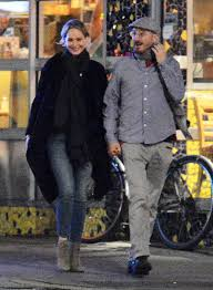Jennifer Lawrence Home by Jennifer Lawrence And Darren Aronofsky U0027s Romance Is Getting Serious