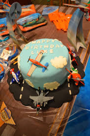 35 best disney cars and planes cakes images on pinterest