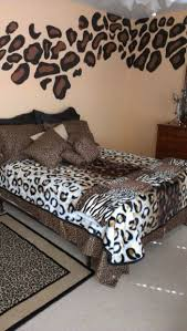 Cheetah Bedding Safari Home Decor Leopard Chairs Living Room Design Ideas Green
