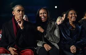 Obama First Family by Obama And The First Family Light The National Christmas Tree At