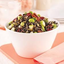 cuisine salade de riz salade de riz sauvage aux pommes et noix recettes cuisine et