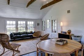 julianne moore house julianne moore lists montauk cottage for 3 495m