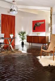mid century modern house with fashionable tastes in texas wooden
