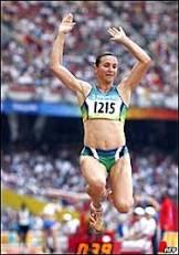Maurren dá inédito ouro feminino ao Brasil no atletismo