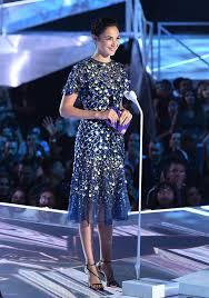 dress gal gal gadot s dress vmas 2017 popsugar fashion photo 2